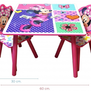 MESA CON SILLAS -MINNIE